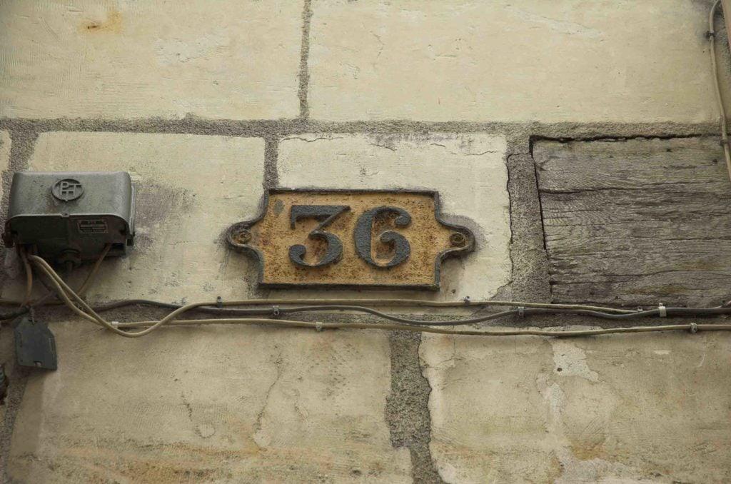 36 unter Strom